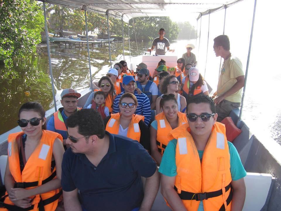 Dia completo de tour a Punta Sal en Tela
